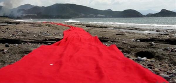 Marianne Tralau mit dem roten Tuch im Gebekum (foto: fognin)